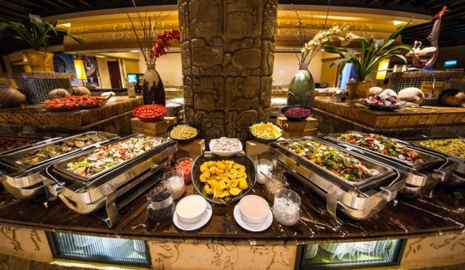 Шведский стол в отеле Cactus Resort Sanya 4*